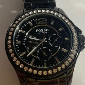 ❤️ EUC -- Black Fossil watch with crystals